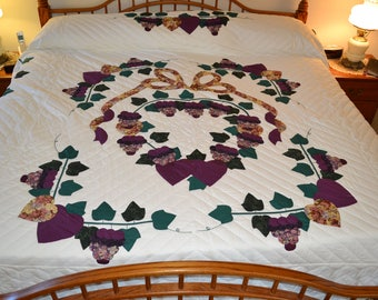 Amish Country Grapes King quilt