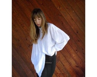 20% off SUMMER SALE. . . White High Neck Oversized Menswear Shirt - Vintage 90s - LARGE