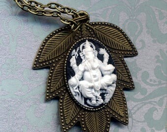 Big Ganesha Pendant Necklace, Tibet Simple Gold Chain Ganesha Necklace, Cameo Ganesha Ethnic Necklace, Nepal Jewelry by AnnaArt72
