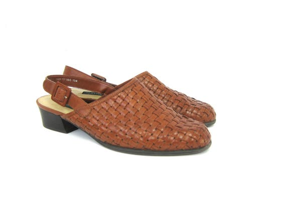 Brown 90s Woven Leather Mules Slingback Sandals Chunky Heel Casual Slip Ons Buckled Straps Closed Toe Sandals Minimal Vintage Womens 7.5 N