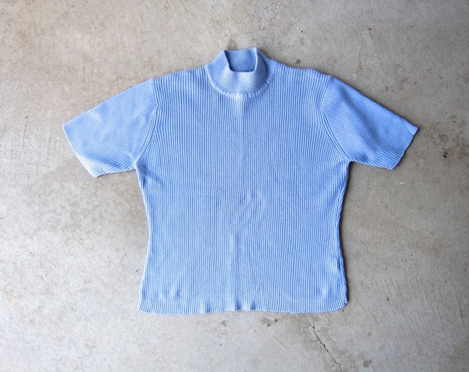 Periwinkle Blue Ribbed Knit Top Vintage 90s Basic Tee Minimal Mock Neck Short Sleeve Rib Shirt Preppy Modern Knit Tee Womens Medium