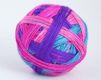 Northern Lights - 4 colour self-striping sock yarn, 4-ply yarn ball
