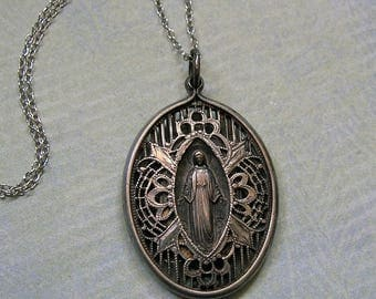 Antique Sterling 1920's Filigree Religious Medal Necklace, Old Sterling Religious Pendant Necklace, Old Sterling Religious Necklace (#3241)