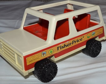 Vintage FISHER PRICE Family Car #992 1979 Toy Camper Little People Retro