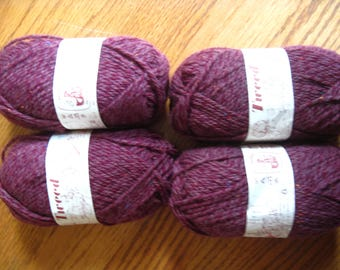 Lane Cervinia Tweed Yarn 4 Skeins Cranberry Tweed Made in Italy Wool Acrylic Blend DK Weight Free US Shipping