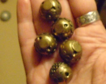 set of 5 gold&silver-toned Art Nouveau spherical buttons