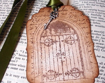50 Save the Date Secret Garden Tags with Key charms, Ribbon, Envelopes