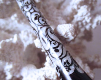 "FNS - The ""Princess Eve"" Ghosts Hair Stick Featuring African Blackwood inlaid with Mother of Pearl"