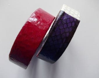 LEATHER-COVERED WOODEN BRACELETS
