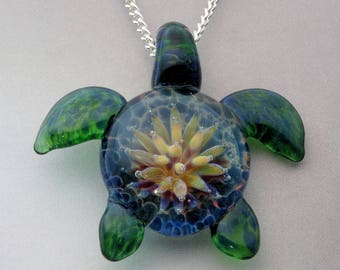Sea Turtle, Hand Blown Glass Turtle Pendant, Anemone Implosion Back, Lampwork Focal Bead (T817A)