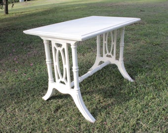 Fancy LiTtLe TABLE shabby distressed rustic cute small French Country Beach style CoTtAgE find