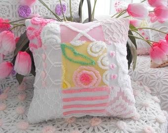 ADORABLE COTTAGE HOME Decor Vintage Chenille Patchwork Pillow