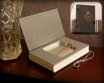 Hollow Book Safe & Flask (Lord of the Rings: The Return of the King)