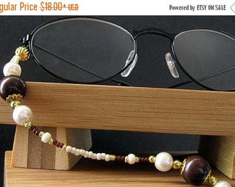 SUMMER SALE Brown Eyeglass Necklace. Glasses Lanyard. Cafe Mocha ID Lanyard. Mocha Brown and Cream Lanyard. Beaded Lanyard. Ivory Eyeglass C