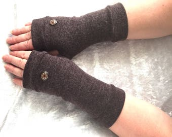 """Fingerless gloves brown cashmere with buttons """" Mandala"""" Completely Lined"""