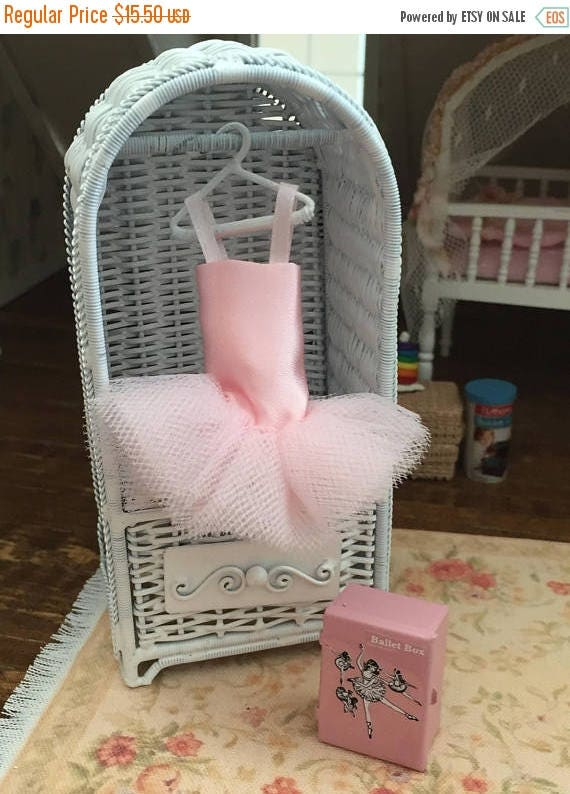 ON SALE Miniature TuTu, Pink Mini Ballet TuTu, Dollhouse Clothes, Dollhouse Miniature, Dollhouse Decor, Accessories, Mini Ballerina