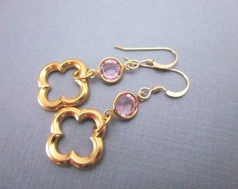 Set Crystal Dangle Earrings -- Charming  Earrings -- Light Pink Crystal Charm Earrings -- Pink Clover Earrings -- Quatrefoil Charm Earrings