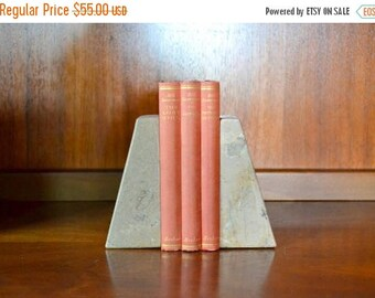 CIJ SALE 25% OFF vintage handcarved marble onyx bookends / vintage office decor / stone bookends