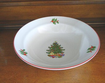"Cuthbertson 9"" Round Vegetable Bowl in American Christmas Tree"
