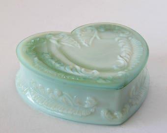Degenhart Green Slag Glass Heart Shaped Trinket Ring Box
