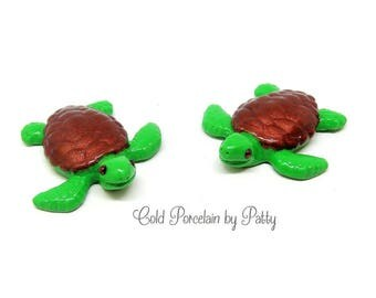 Cold Porcelain Clay Sea Turtle Figurine, Ornament, Pendant, Bow Center, Magnet, Brooch, Purse Charm, Green & Brown Turtle, Sea Life Fan Gift