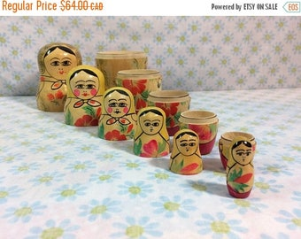 SALE SALE SALE Vtg Russian Nesting Dolls Matryoshka Wooden Set of 6 Hand Painted Beautiful Wooden Ladies Ussr