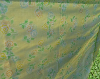 Wamsutta vintage standard pillowcase pale yellow with flowers orange, blue, yellow and white with green leaves