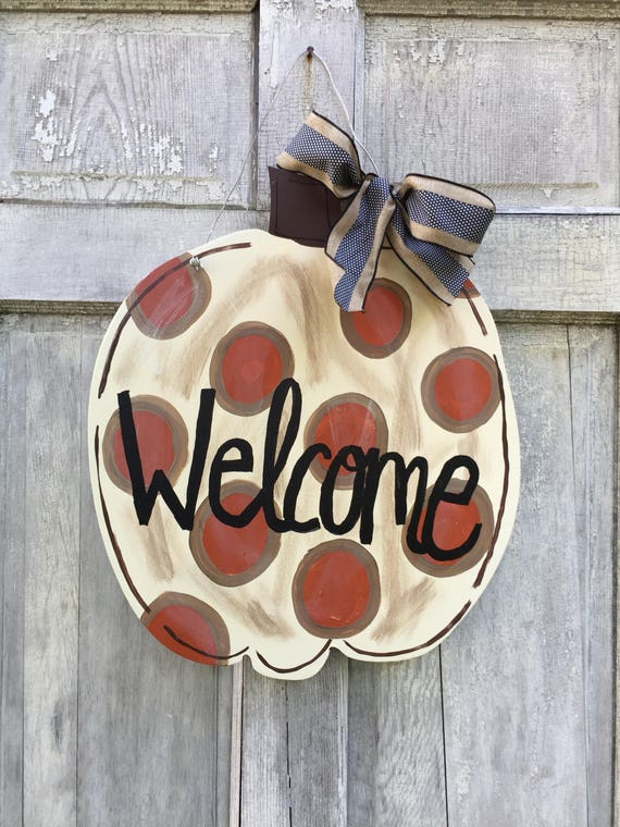 Pumpkin door hanger,  Autumn door hanger, Chevron pumpkin sign, Halloween Door hanger, Fall door hanger. Halloween decoration