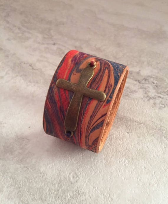Handmade Women's Hand Dyed Marbled Leather Cuff Bracelet with Cross (Size 6.25)