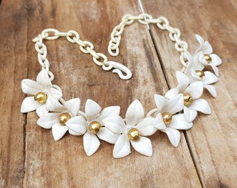 """Vintage 1940s 1950s Celluloid White Daisy Rockabilly Necklace 16"""" Long Jewellery Celluloid Necklace Celluloid Jewelry 50s White Necklace"""