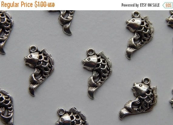 CLOSING SALE 10 Pieces of Metal Jewelry Charms - 21mm Fish, Animal, Ocean, Sea Life, Drop, Single Sided, Antique Silver Color, Base Metal, T