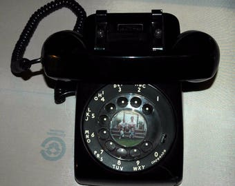 Super Fly 80s Kitsch Vintage Bell Systems/Western Electric Rotary Dial Desk Phone - Great prop piece
