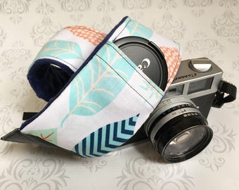 DSLR Minky Camera Strap, Padded with Lens Cap Pocket, Nikon, Canon, DSLR Photography, Photographer Gift, Wedding - Big Feathers with Navy