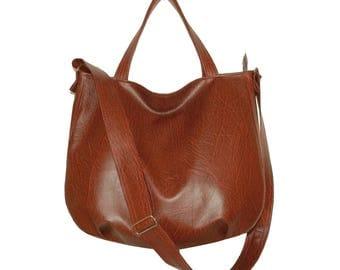5216, red brown crossbody bag, red brown vegan crossbody bag, red brown crossbody tote, red brown vegan sack, brown crossbody bags, hobo bag