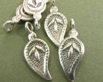 1 Leaf Charm in Paisley Print  - Pendant -  Fine Silver by Karen Hill Tribe Craftsmen - Hand Crafted  Oak hill Silver Supply C173a