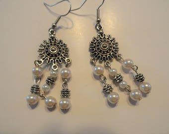 Pearl and Metal Errings