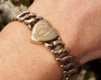 Gold Victorian Sweetheart Stretch Bracelet Etched