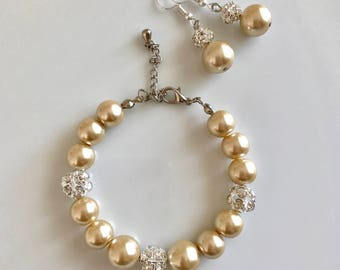 Champagne pearl bracelet and earring, champagne pearl bridal set, champagne pearl bridal gift, bridesmaid gift