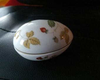 Wedgwood Wild Strawberry Bone China Egg Box