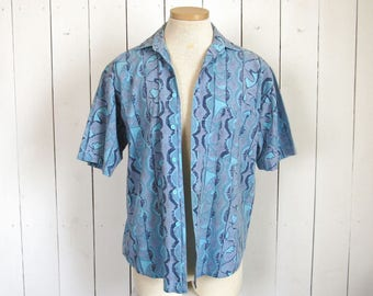 1980s Button Up - Mens Vintage Surf Shirt - Blue Abstract Print - Vintage Short Sleeve Button Up - Medium M / Large L