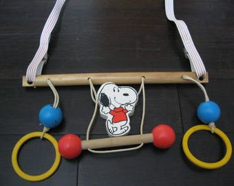Vintage Snoopy Toy Mobile United Feature Syndicate Peanuts Display/Baby Mobile