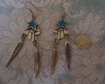 Vintage Silver Tone Crushed Turquoise Southwestern Theme Dangle Pierced Earrings, Star, Saddle, Feathers, 1992