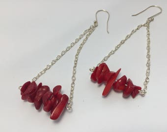 Red River Shell Chip Swing Earrings/Silver/Beachy/Summer/Casual/Long Dangle/Bold Color/Irregular/Interesting and Unique/Ocean/Water
