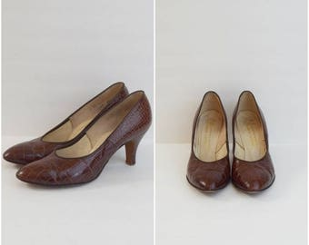 SALE Vintage 50s Vitality Shoes brown crocodile skin pumps / mid century leather heels