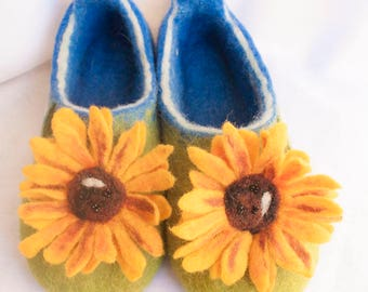 Felted slippers, wool slippers, sunflower