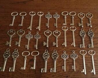 ON SALE Keys to the World Skeleton Keys 30 Large Vintage Key Charms Antique Silver Skeleton Keys Skeleton Keys For Wedding Favors Necklace C