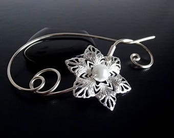 Snowflake Shawl Pin, Scarf Pin, Silver Brooch, knitters jewelry, Wire brooch, Artisan Jewelry