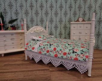 Bedroom Set Handmade Antique White Distressed Bedroom Set 1:12 Miniature Bed Dresser & Chest Dollhouse Furniture