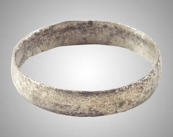 Authentic Ancient Viking  wedding Ring Band  C.866-1067A.D. Size 7 1/2    (18.1mm)(Brr1158)