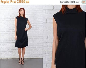 ON SALE Vintage 70s Mod Dress Black Shift Sleeveless Large L 9598